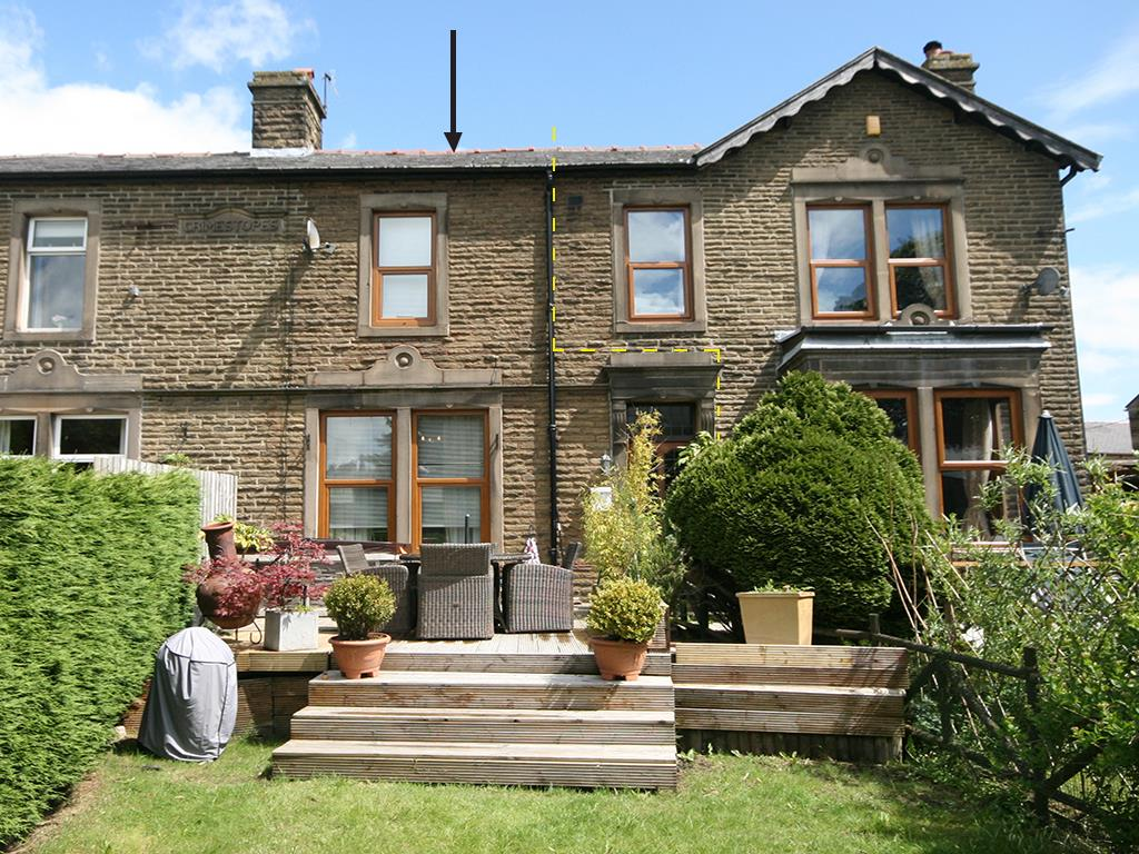 detached house For Sale in Barnoldswick - Property photograph